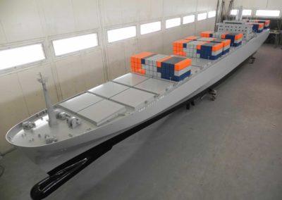 containerschip-madurodam-(2)
