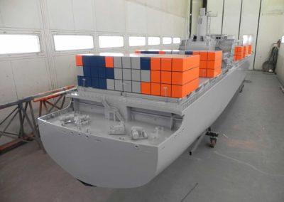 containerschip-madurodam-(3)